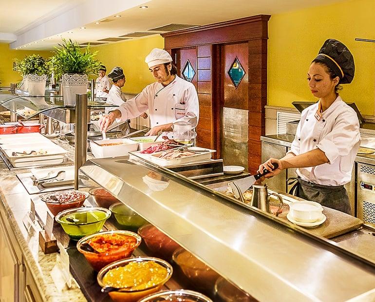Hotel restaurant in Cala Mesquida