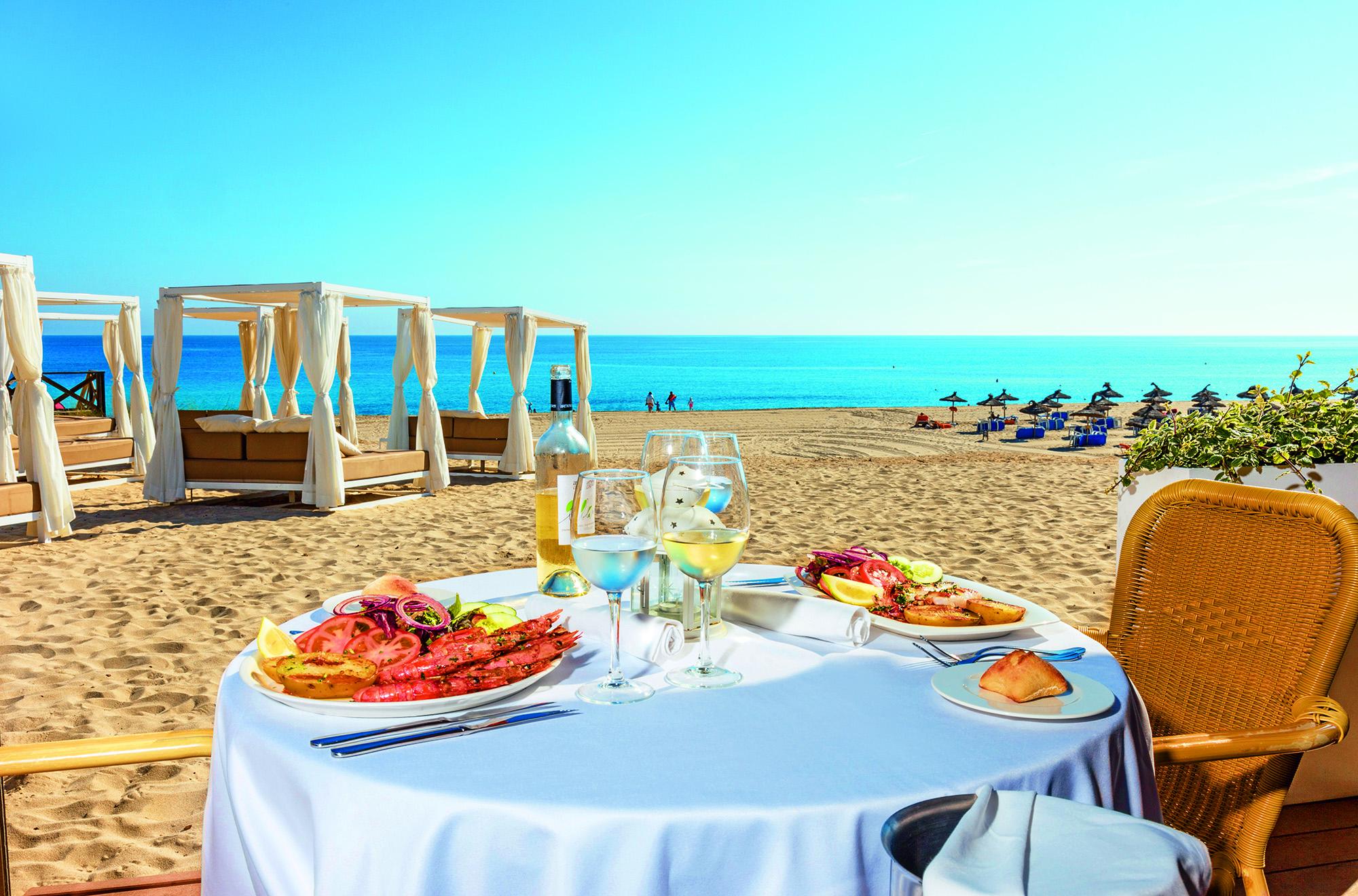2016-06-VIVA CM RESORT Mirablau Beach Restaurant 1.jpg