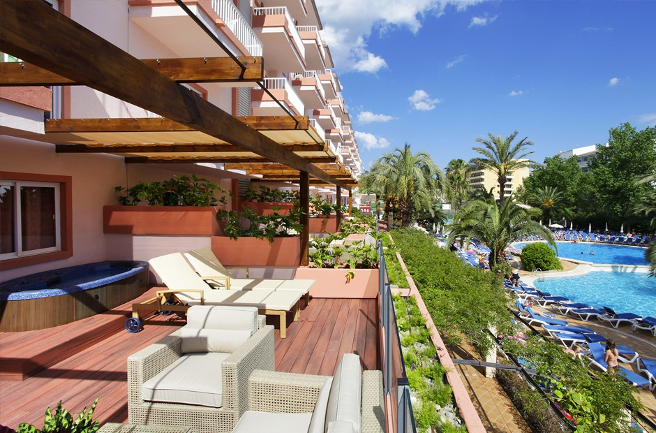 SUNRISE-HABITACIONES-ROYAL-TERRACE.jpg