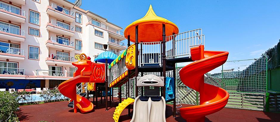 Hoteles con toboganes para niños