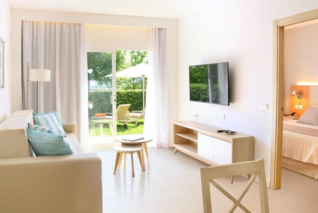 VIVA Blue livingroom