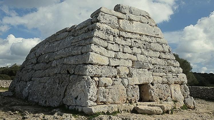 MENORCA-prehistory-1086112_1280.jpg