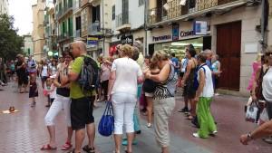Turistes-carrer-Sant-Miquel-Palma_ARAIMA20140922_0151_1