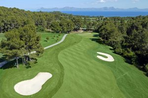 Miete dich im Vanity Golf ein, während du einen Ausflug nach Mallorca zum Golfspielen genießt
