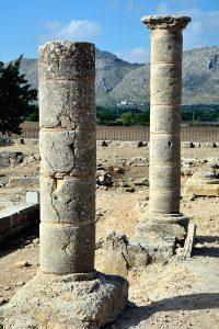 Säulen in den Ruinen der römischen Stadt Pollentia in Alcúdia