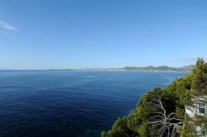 Baie de Cala Millor vue depuis le cap des Pinar à Costa dels Pins à Majorque