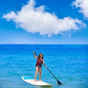 Mallorca te ofrece una gran variedad de deportes de tabla, como el paddle surf