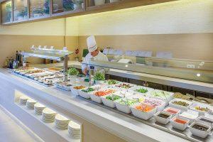 En el Buffet Caprice podrás disfrutar de la cocina en vivo en prácticamente todas sus estaciones