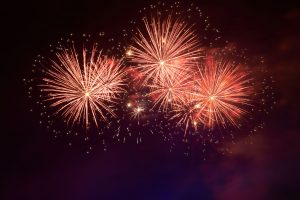 Espectáculo de fuegos artificiales para poner el broche final a las fiestas de Alcudia el 25 de julio