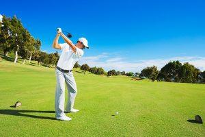 Die Sonne Mallorcas macht den Ort ideal für das Golfspielen im Herbst