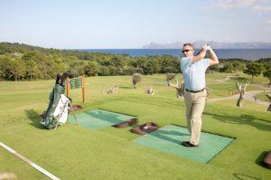 Una tarde de golf en silencio potenciará su paciencia
