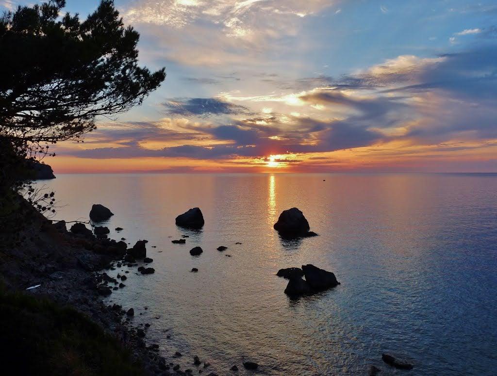 llucalcari-sunset