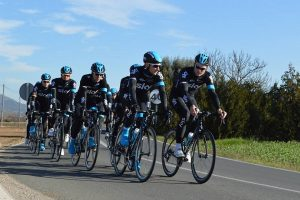 Das Radsportteam Sky Team kehrt ins Vanity Golf zurück, um sich auf die Saison vorzubereiten