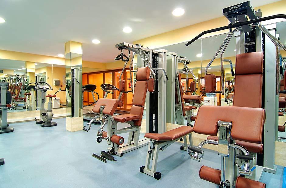 2010-11-Vanity-Suite---Gym