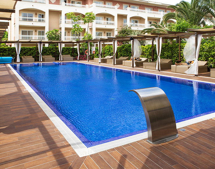 BLUE & SPA SERVICES POOLS