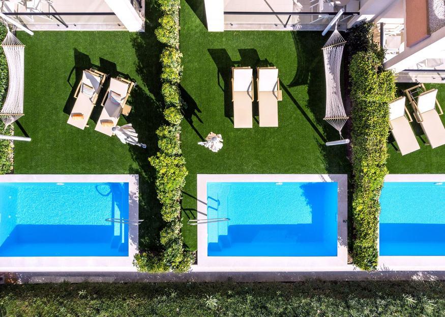 VIVA Blue & Spa Swim-up Apartment