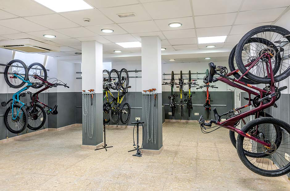 201905-VanitySuite-Cycling-Station-1