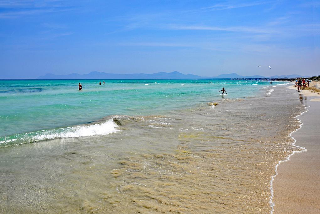 5-tips-para-pasar-un-día-familiar-en-Playa-de-Muro