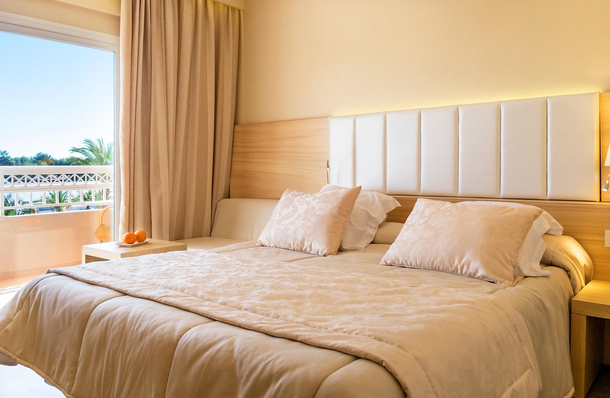 double room viva blue.jpg