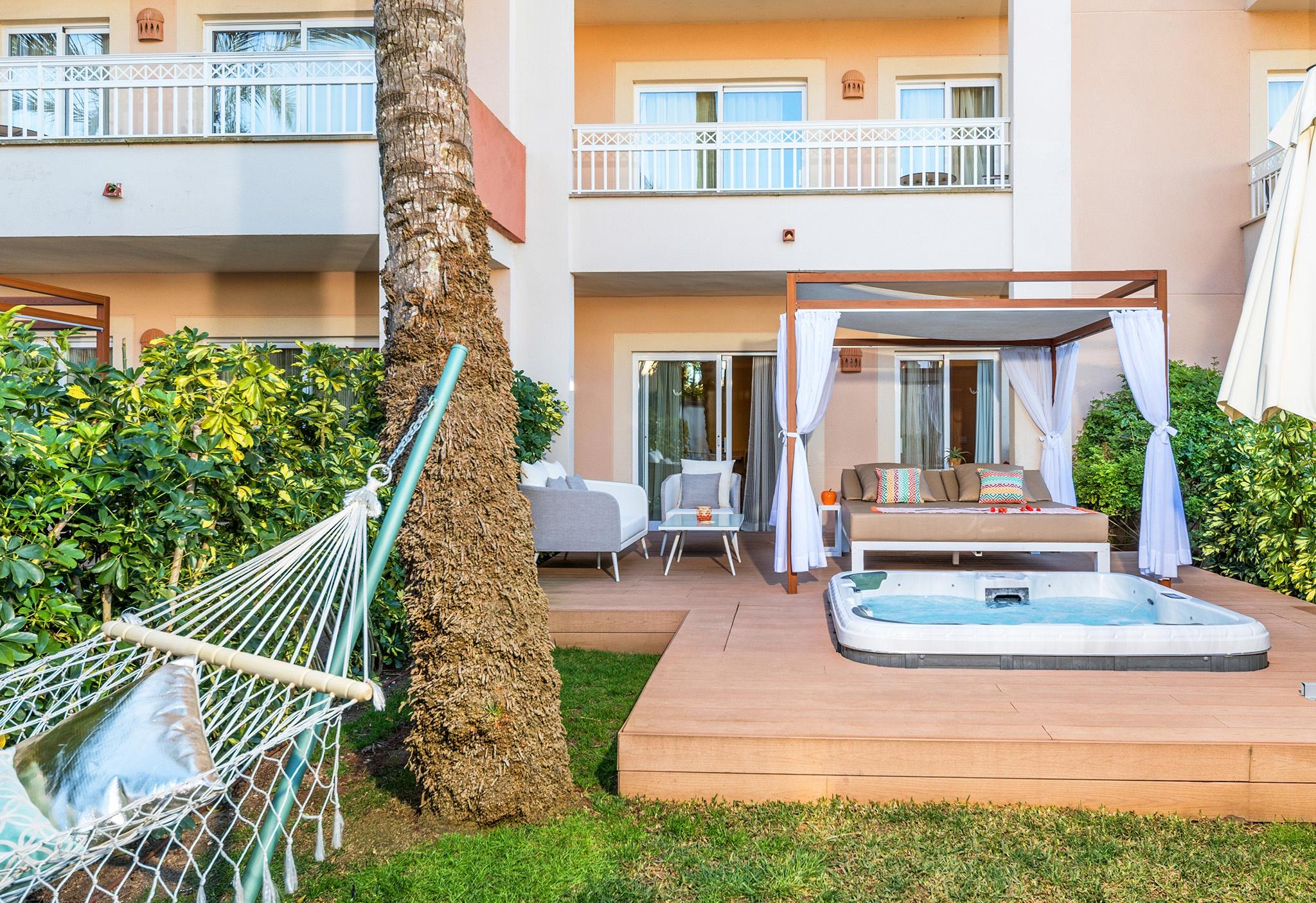 premium de luxe apartment viva blue.jpg