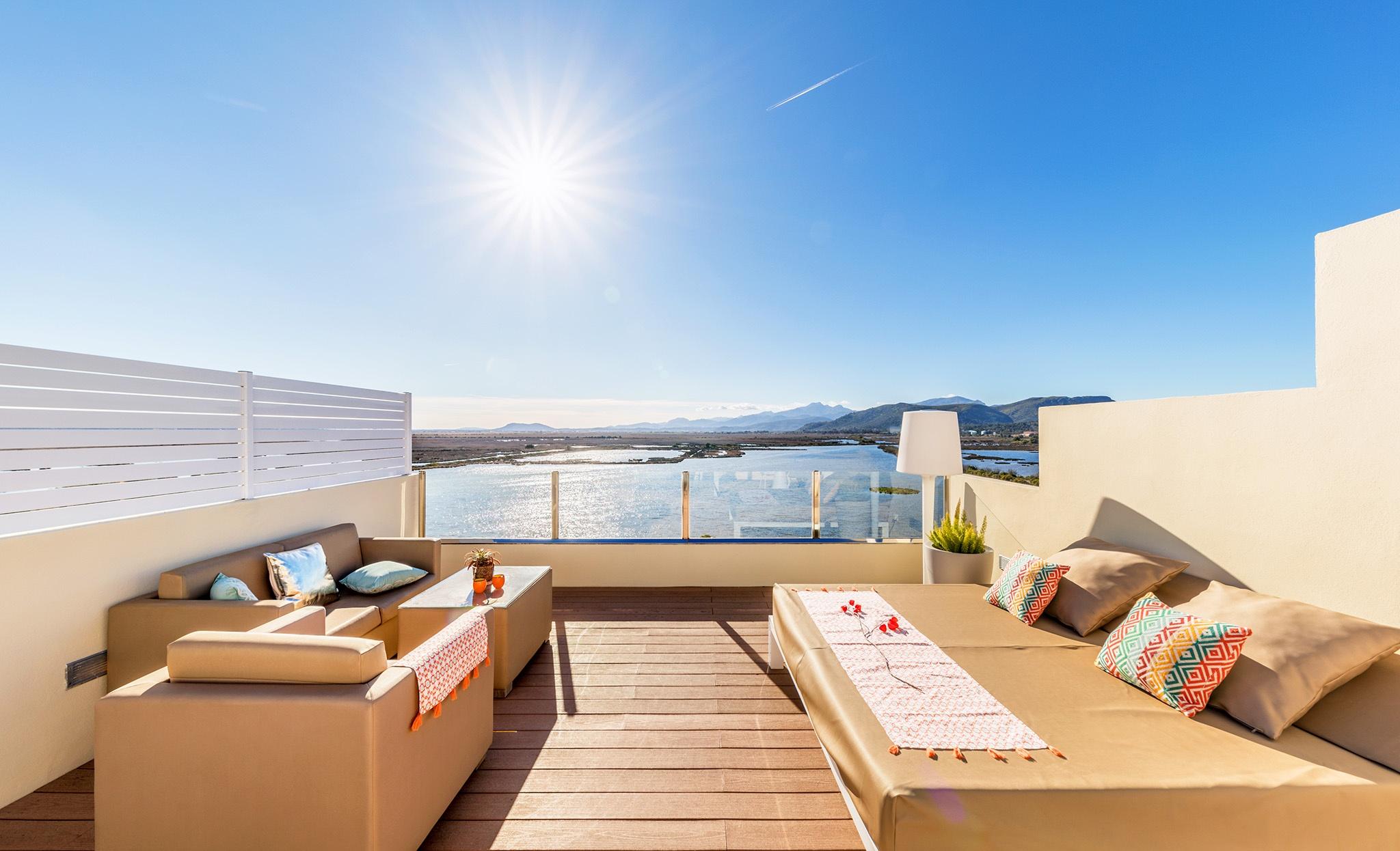 roya terrace viva blue4.jpg
