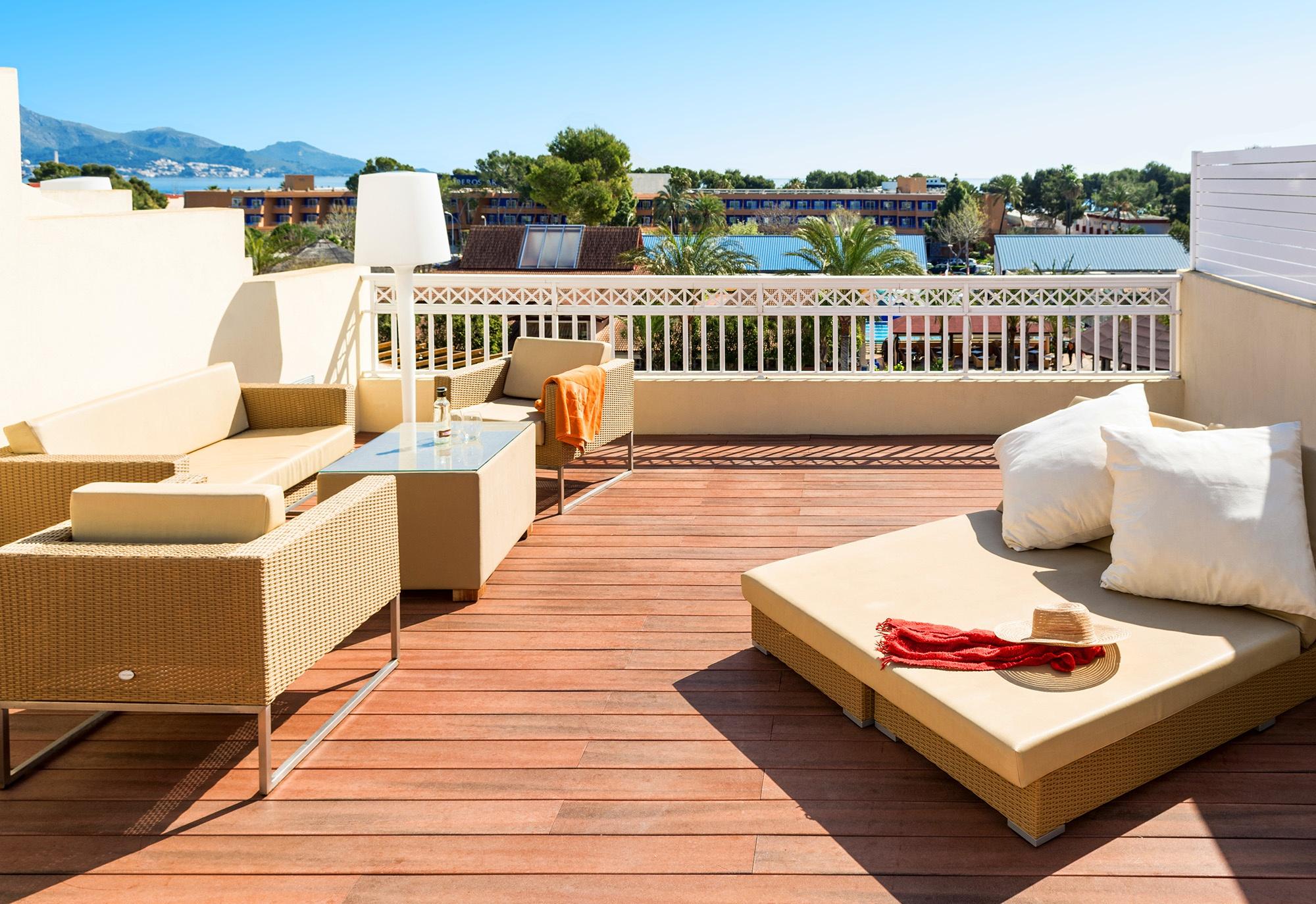 royal terrace viva blue5.jpg