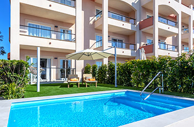 oferta-201902-VIVA-Blue---Swim-up-Apartment-Pool-01
