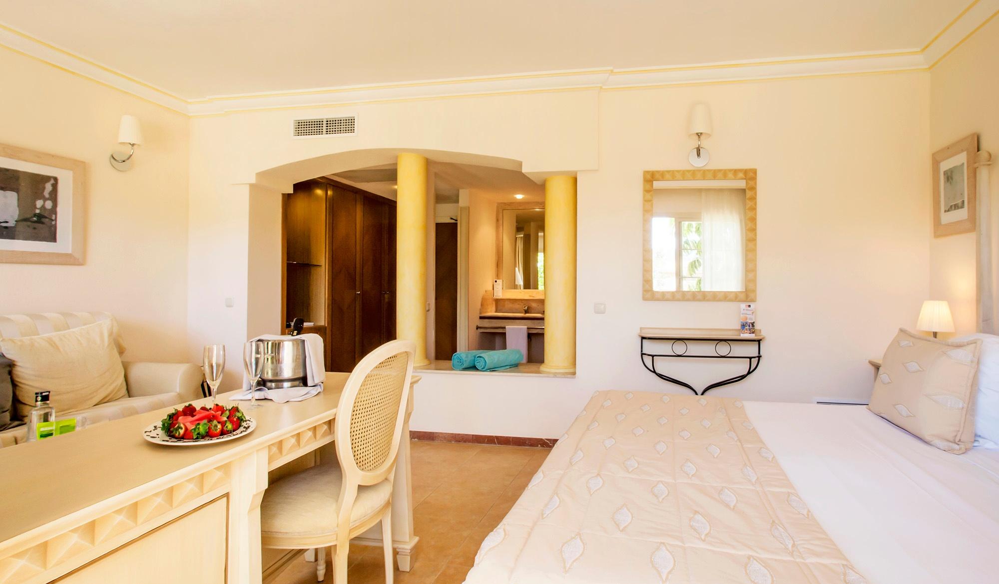 junior suite premium vanity suite 2.jpg