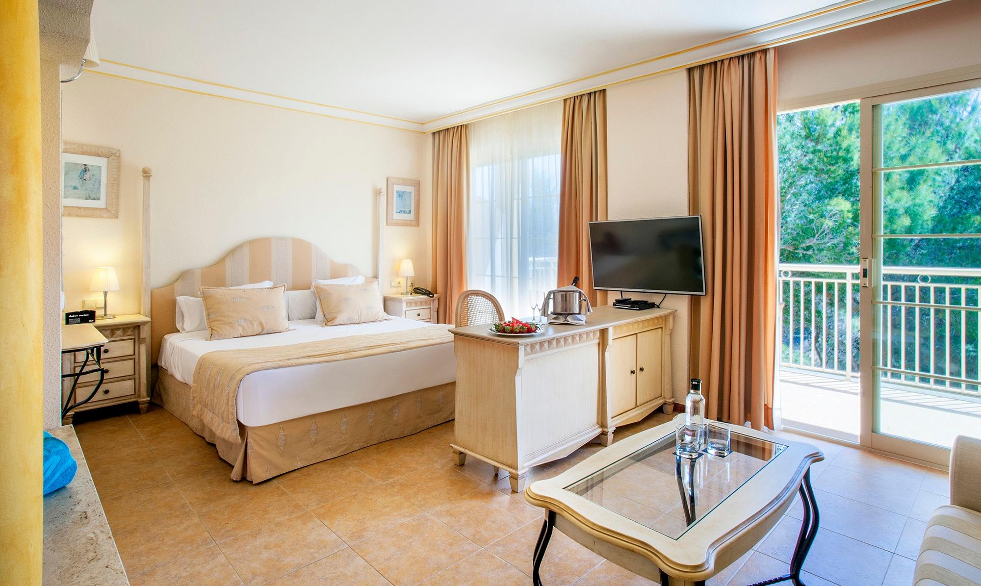 royal terrace vanity suite5.jpg