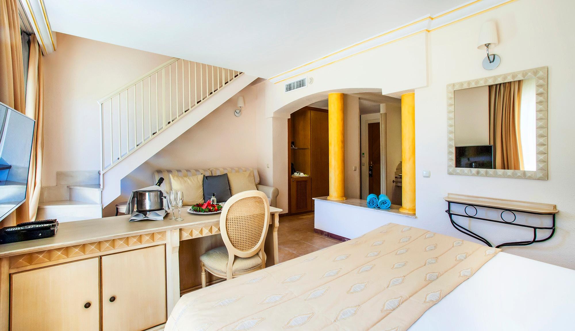 royal terrace vanity suite6.jpg